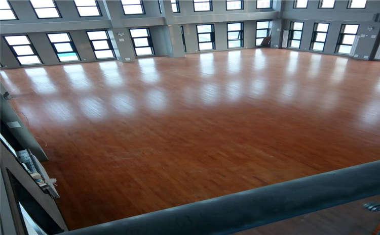 大型风雨操场木地板都有哪些品牌