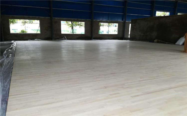 24mm厚排球馆木地板造价是的多少?