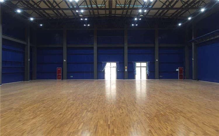 大型篮球场木地板生产厂家