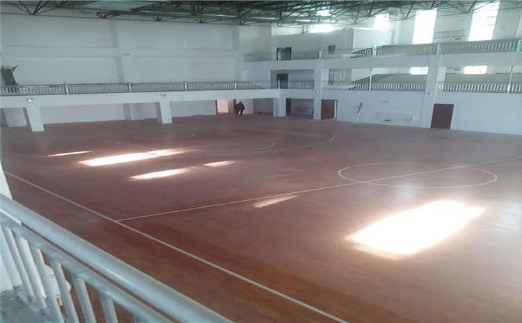 橡胶木木地板篮球馆哪个牌子好?