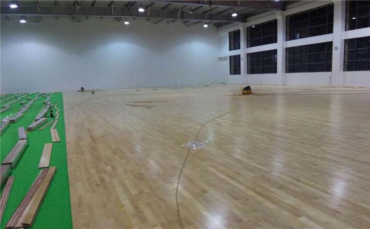 专业的实木运动地板怎么保养?