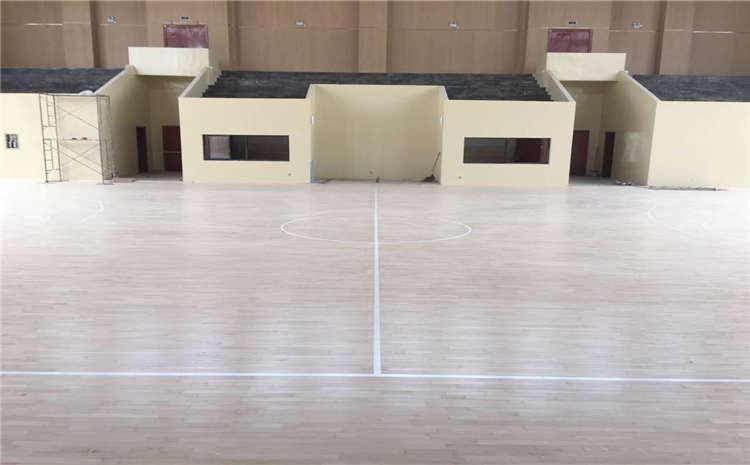 运动木地板材质哪个好?