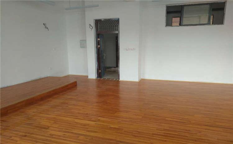 枫桦木一平米价格运动木地板