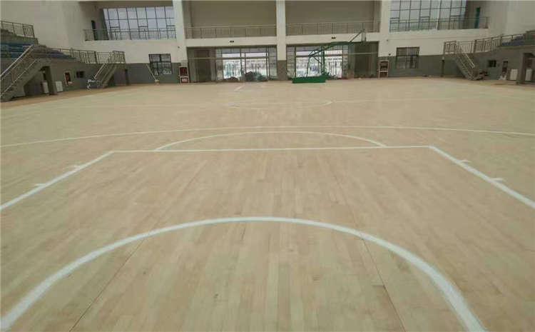 是不是实木体育地板,切开了看!