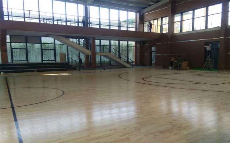 体育运动地板松木哪个品牌好?