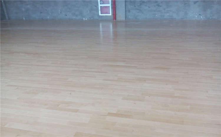体育馆木地板选材性能和结构