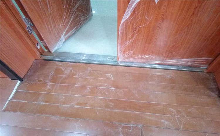 俄勒冈松舞台运动木地板结构