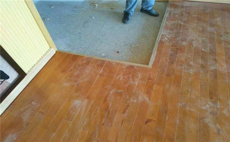 篮球场木地板能做到无甲醛吗?