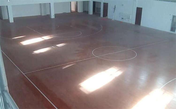 橡胶木篮球木地板哪个品牌好?