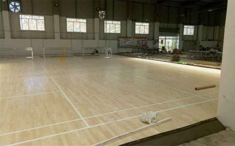 羽毛球馆木地板有什么优势?