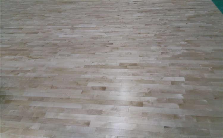 篮球场木地板的设计和安装怎么样?