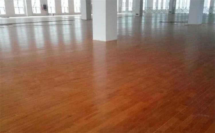 江蘇專業籃球場地板怎么安裝