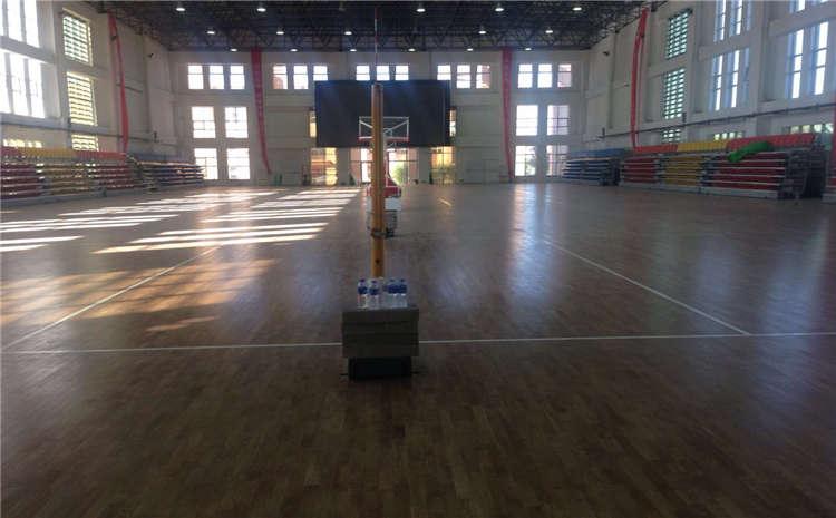 枫木篮球场木地板安装