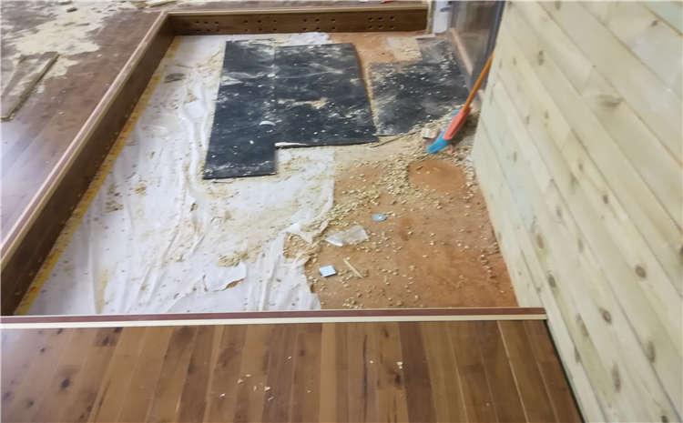 学校篮球场地木地板厂家哪家好?