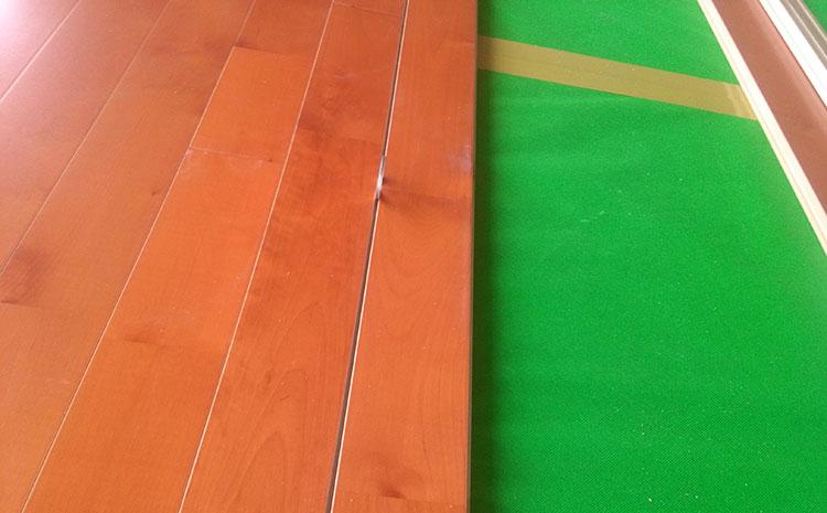 枫木篮球场木地板怎么安装