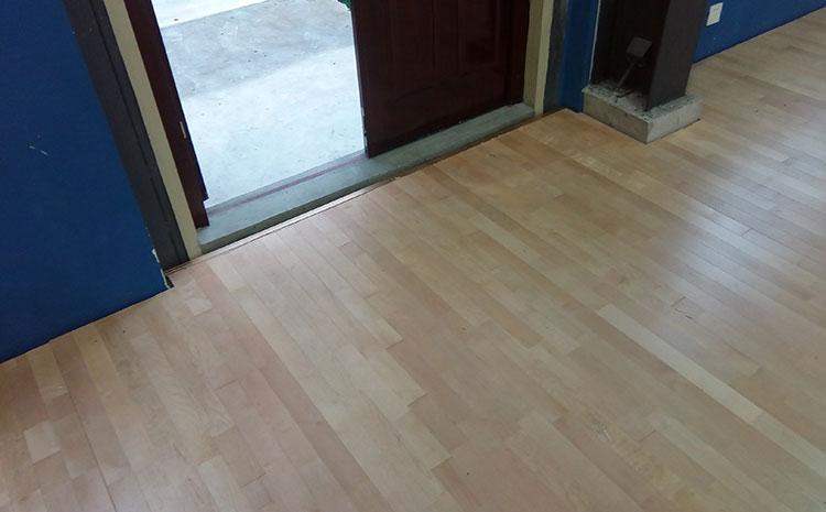 拼接板体育运动地板施工技术方案
