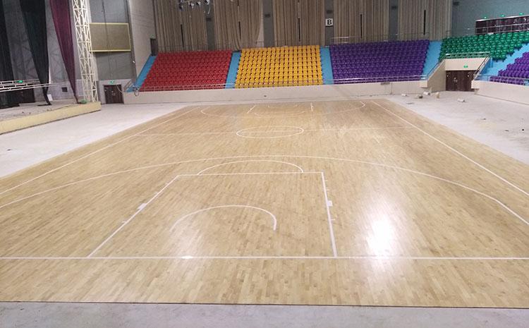 篮球场木地板干缩了会怎样?