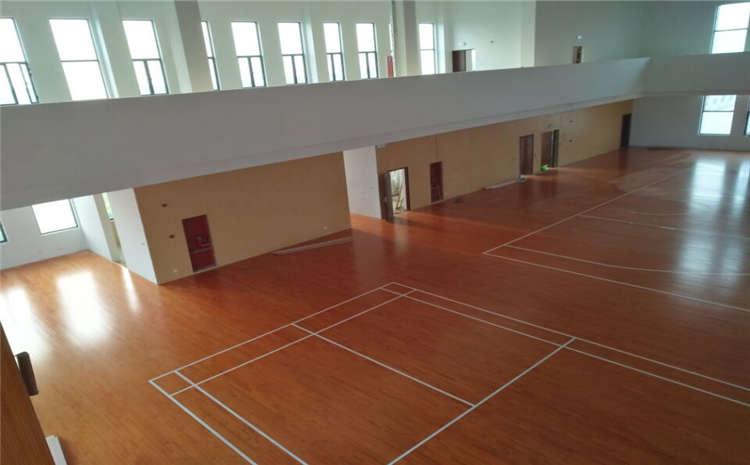 单层龙骨结构风雨操场木地板一般多少钱?