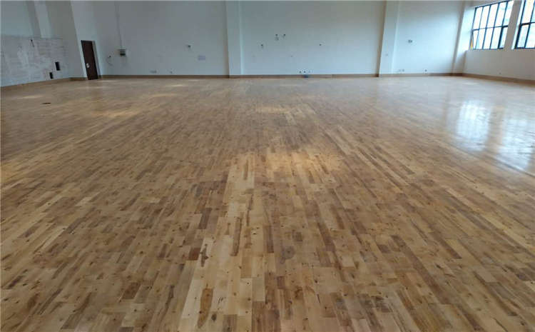 什么样的篮球木地板不能翻新?