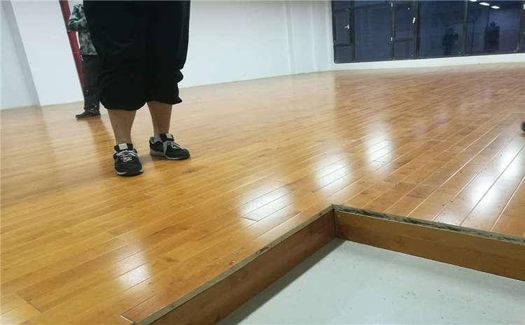 体育馆实木地板厂家造价是多少?