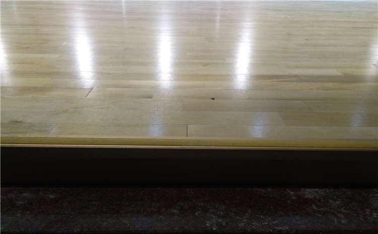 体育木地板翻新是怎么回事呢?