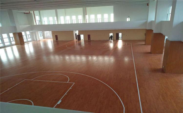 橡胶木篮球场木地板厂家去哪找?