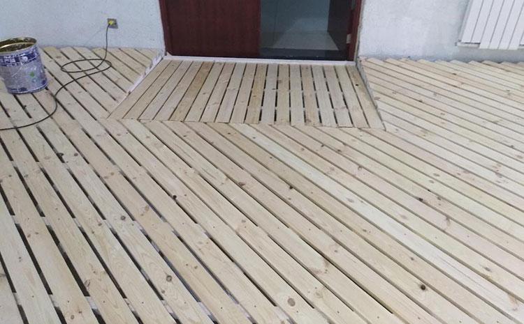 运动木地板色差和变色是病吗?