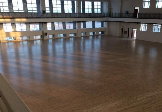 平顶山学院运动馆木地板