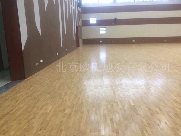 厦门翔安第一实验小学体育馆柞木地板案例