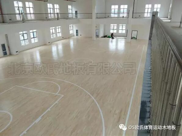 湖北天门杭州华泰小学篮球馆木地板铺设工程