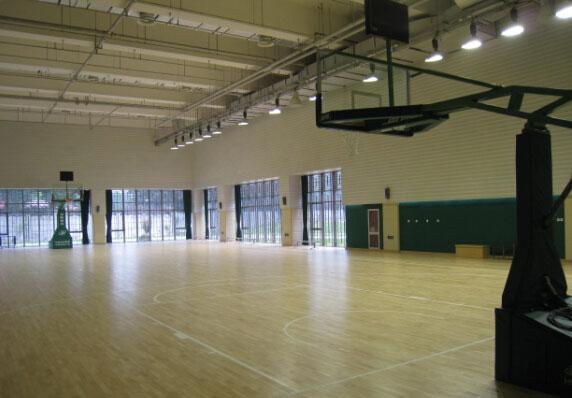 体育馆木地板的选择需注意材质