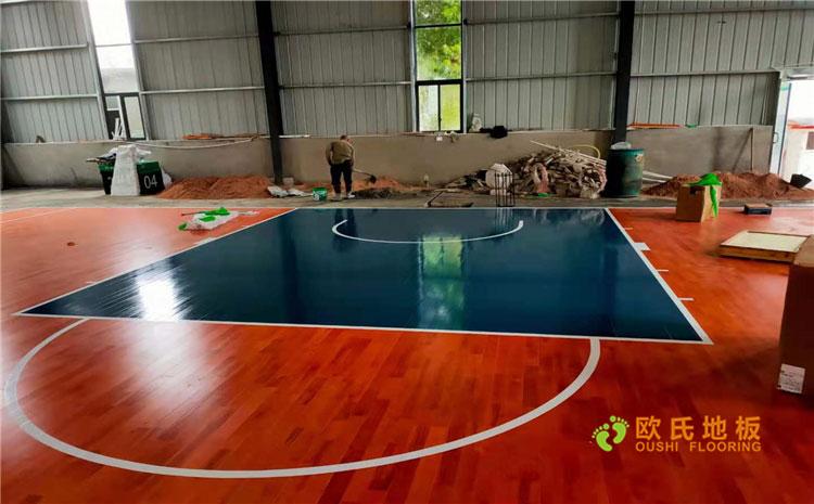 贵州铜仁体育馆双层龙骨结构木地板案例