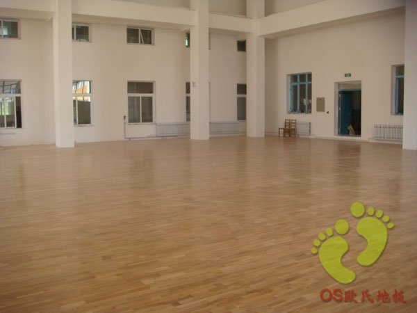 沈阳市同泽中学运动木地板铺设